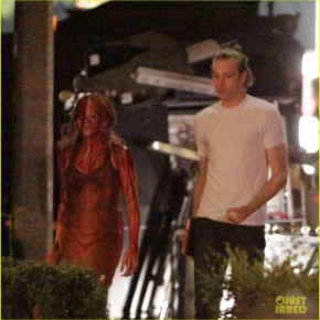chloe-moretz-blood-soaked-on-carrie-set-02
