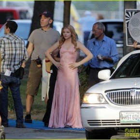 chloe-moretz-blood-soaked-on-carrie-set-26