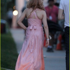 chloe-moretz-blood-soaked-on-carrie-set-29